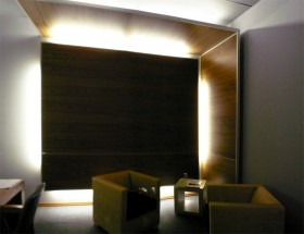 Omnimago Editsuite sitting area with plafond